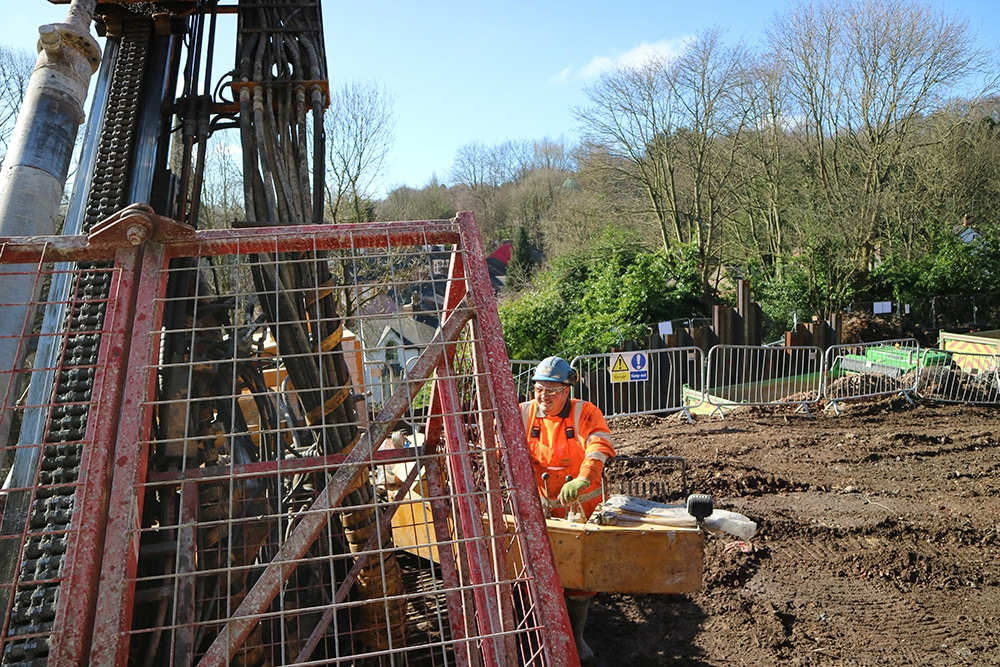 Sheet Piling Contractor in the UK   1992 -2017   History Anchored Sheet Pile Wall