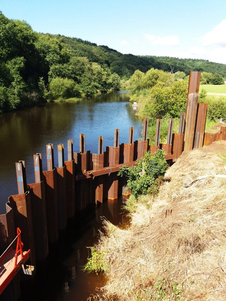 Sheet piled cofferdam, Stourport - Birmingham Resilience