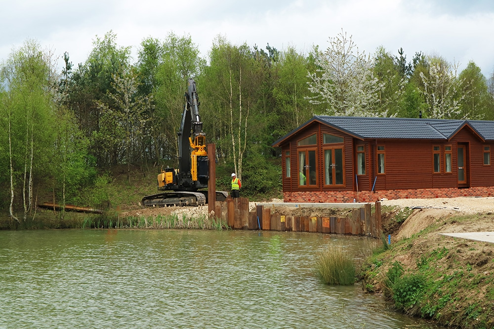 Sheet Piling contractor installing sheet piles at Lincoln Torksey Caravans Holiday Cabin, Burton Waters 2017
