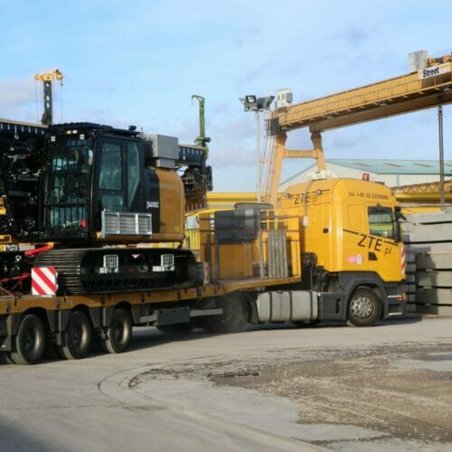 Aarsleff Ground Engineering acquire banut 300 piling rig