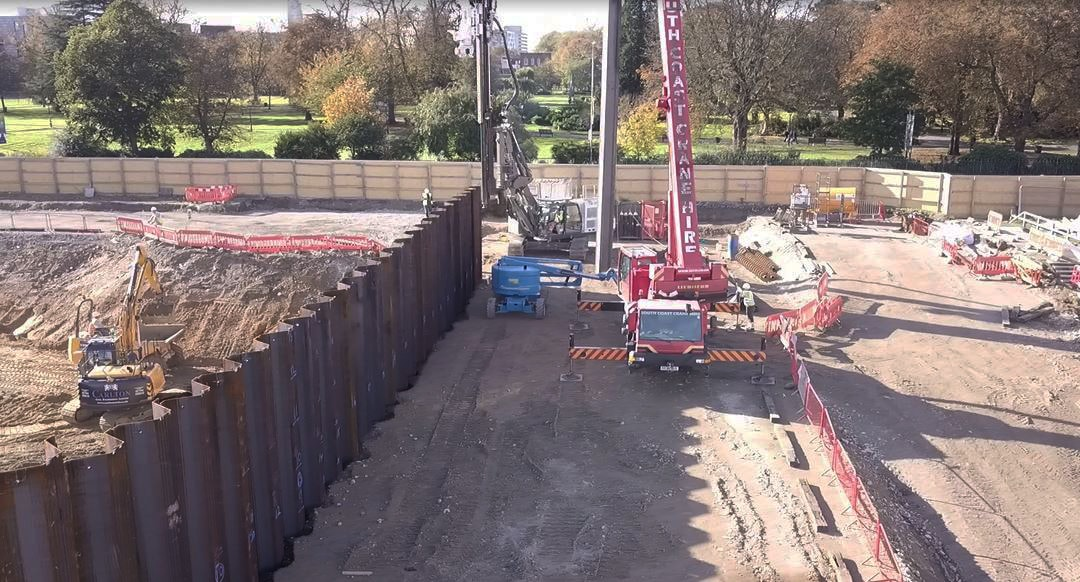Sheet Piling contractor Aarsleff Ground Engineering installing sheet piling for its client in the UK